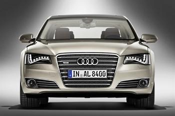 Audi A8 Long W12 quattro 2010